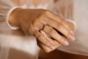 چگونه سایز انگشتر خود را کوچک کنیم